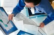 עולם המסחר במניות עבר שינוי משמעותי עם כניסת האינטרנט לתמונה. תוך מספר שנים הפכה השקעה בשוקי ההון לקלה וזמינה עבור קהלים רבים ומגוונים. זמינות המידע ברשת והאפשרות לבצע פעולות של […]